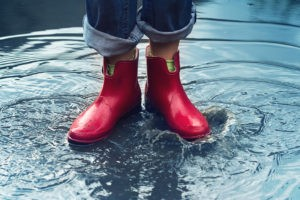 sustainable-development-community-meaningful-gift-rubber-boots